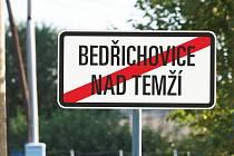 Výtvarnice Kateřina Šedá otevře náves v Bedřichovicích.