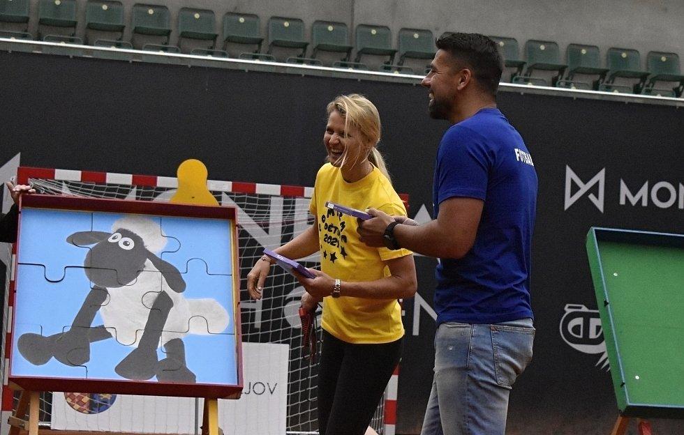 Lucie Šafářová se stala ambasadarkou olympijského výboru, angažuje se také v charitativních projektech.