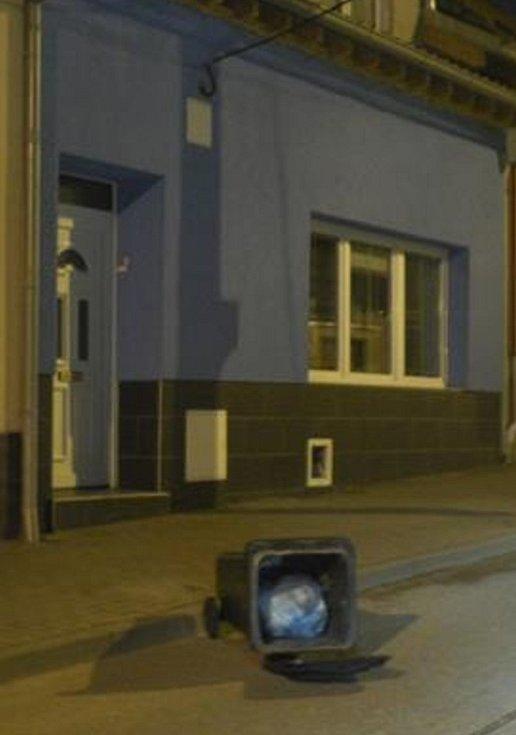 Noční řádění vandalů v Líšni.