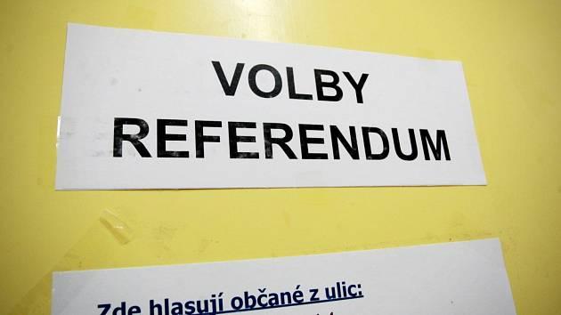 Krajské a senátní volby v Jihomoravském kraji byly v Brně spojeny i s místním referendem o brněnském vlakovém nádraží.