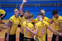 Brněnští volejbalisté ovládli v září domácí Memoriál Karla Lázničky a do nové extraligové sezony vyrukují i s posilou z Brazílie (úplně vpravo).