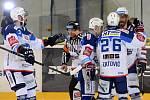 Domácí HC Kometa Brno v bílém proti HC Litvínov.