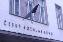 Naposledy se rozloučit s legendou můžou Brňané od čtvrtečního rána. Své vzkazy připojí ke kondolenční listině od osmi hodin v sídle Českého rozhlasu Brno v Beethovenově ulici.