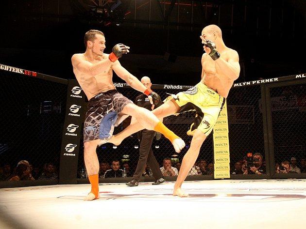 Třetí pokračování galavečera ultimátních zápasů v osmihranné kleci GCF Challenge: MMA Cage Fight 3 mělo podtitul Krvavý pátek 13!