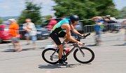 Před rokem ho při své závodní derniéře porazil evropský šampion ve středním triatlonu Filip Ospalý, letos už se Petr Soukup dočkal vítězství. Třetí ročník PálavaRace v okolí Nových Mlýnů vyhrál s náskokem téměř tří a půl minuty před Karlem Zadákem.