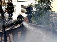 Požár skladu v centru Brna
