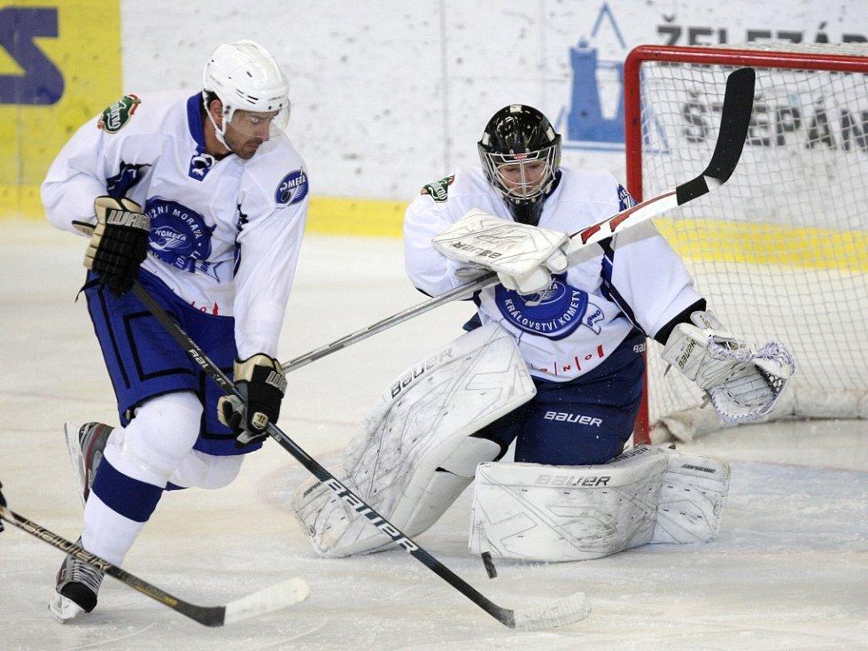 V šestém přípravném duelu si brněnští hokejisté (na snímku nová posila Boris Valábik)připsali třetí výhru. Extraligového rivala z Vítkovic pokořili 8:2.