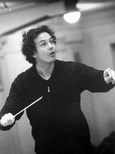 Srbský dirigent Aleksandar Markovič.