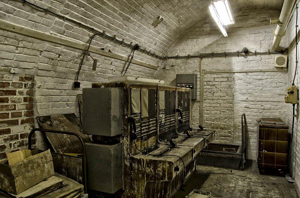 Vojenský historik Pavel Paleček s přáteli oživil před pěti lety atomový kryt 10Z pod brněnským Špilberkem.