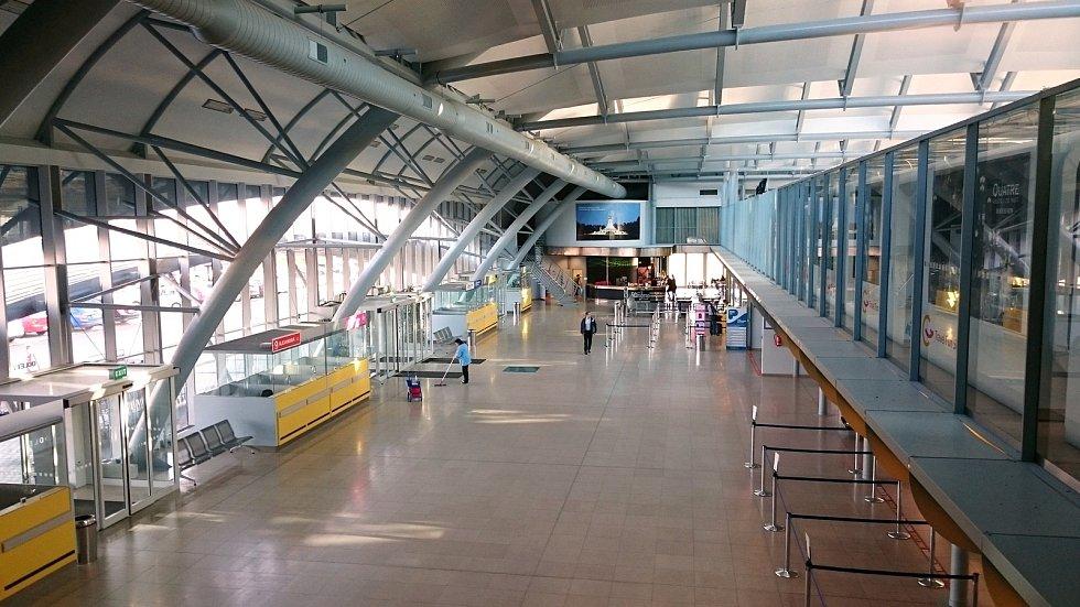 Letištní hala brněnského letiště v Tuřanech.