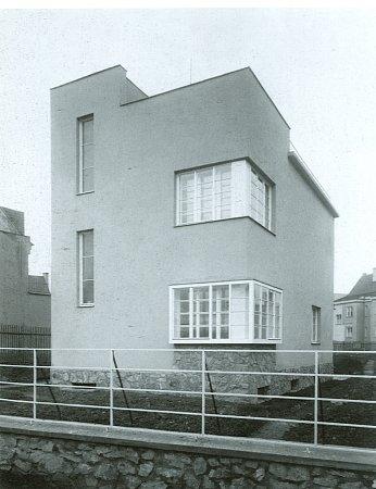Haselmannův dům vMasarykově čtvrti přibližně vroce 1930.