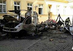 Výbuch tlakové lahve ve vnitrobloku rektorátu Masarykovy univerzity v Brně nadělal pěknou spoušť.