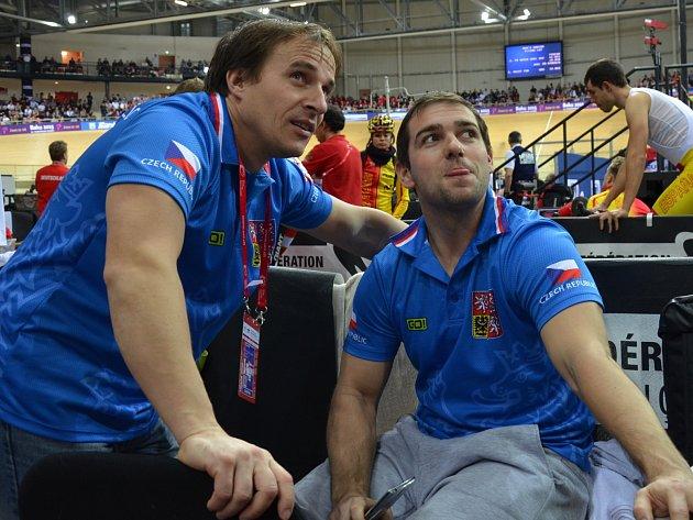 Pavel Buráň (vlevo) rozebírá taktiku s českým reprezentantem Adamem Ptáčníkem.