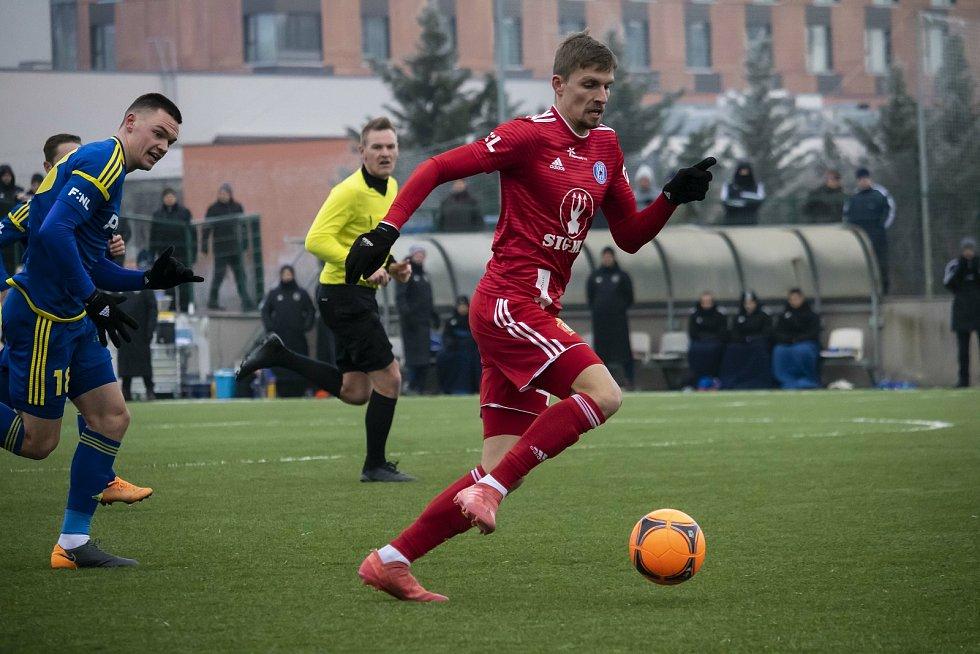 Olomoučtí fotbalisté porazili v přípravném utkání na domácím hřišti Jihlavu 5:0.Jiří Texl