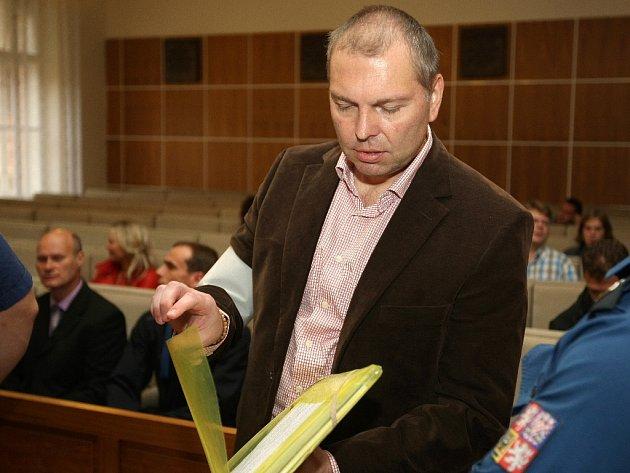 Členové Toflova gangu usoudu vBrně - Miloš Almásy.
