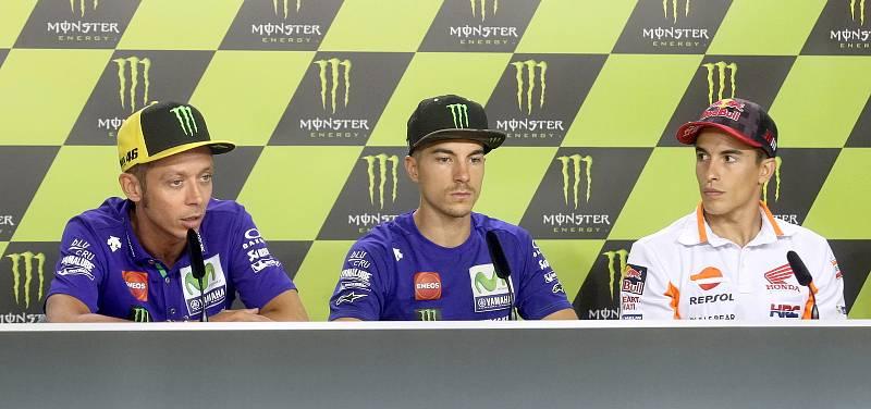Tisková konference s jezdci Moto GP - zleva Valentino Rossi, Maverick Viňales a Marc Márquez.