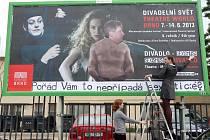 Reklama na festival Divadelní svět Brno 2013.