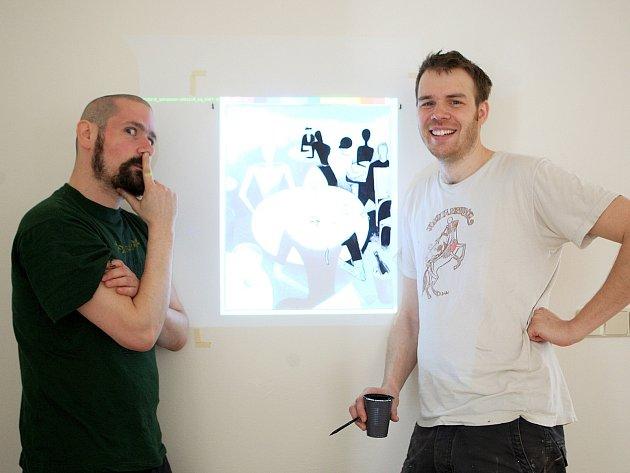 """Výtvarníci David Böhm a Jiří Franta tvoří novou stálou expozici v Moravské galerii: malují """"kopie"""" všech obrazů ve výstavním prostoru moderny."""