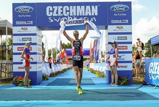 Obhájce triumfu na Czechman triatlonu Tomáš Řenč.