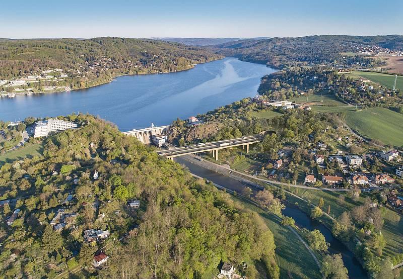 Letecký pohled na údolí Svratky na vizualizaci firmy knesl kynčl architekti a Projektová kancelář Ossendorf.