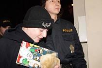 Barbora Škrlová dorazila ve čtvrtek ve dvě hodiny ráno do Brna, kde strávila noc v cele předběžného zadržení.