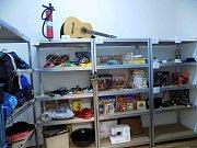 Ve čtvrtek v Brně otevřela první knihovna věcí. Lidé si v ní půjčí třeba kuchyňské náčiní, nářadí nebo předměty pro volný čas.