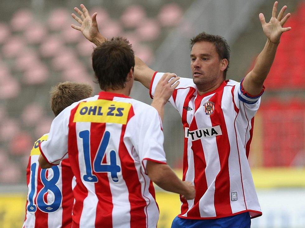Fotbalisté Zbrojovky si připsali vítězství nad Karvinou.