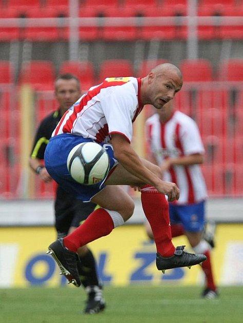Fotbalista Zbrojovky Došek.