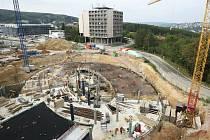 Čtyři fotbalová hřiště. Na takové rozloze vyrostou v Brně nejmodernější vědecké laboratoře. Na snímku vznikající CEITEC.
