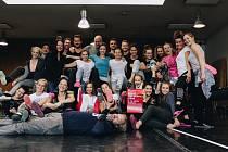 Sbírku Koláč pro hospic a rozvoj paliativní péče podporují také herci z Městského divadla v Brně.