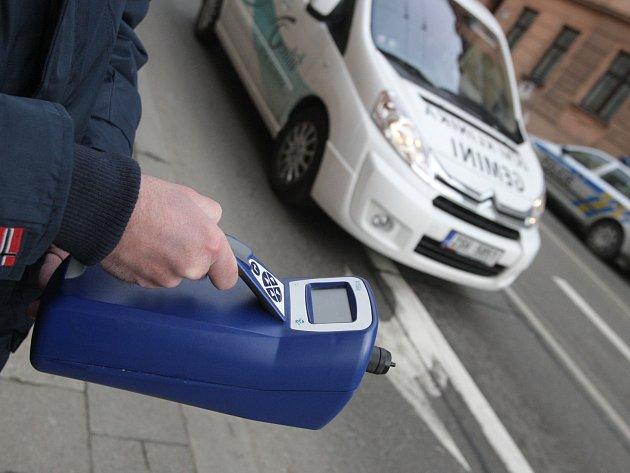 Množství jemných toxických částic přijel do Brna měřit expert Dánské ekologické rady Kåre Press-Kristensen.