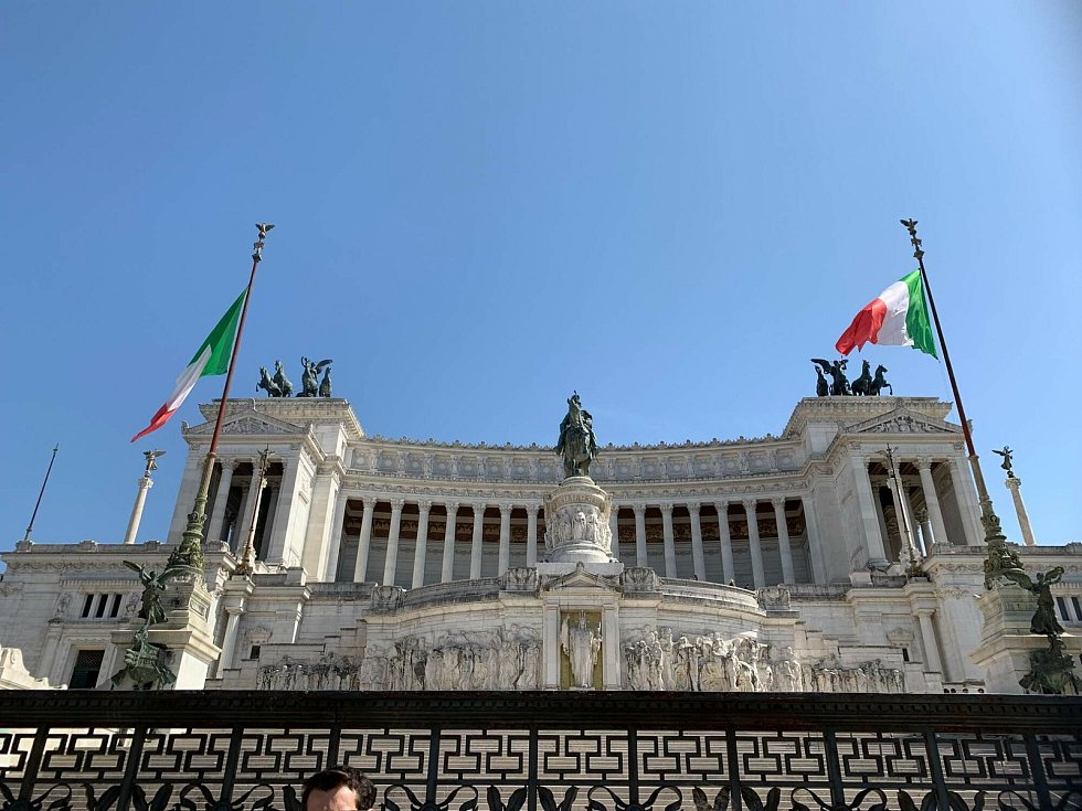 Audience u samotného papeže završila nedávnou dvoutýdenní cestu vozíčkáře Dušana Petřvalského do Říma. Celou expedici absolvoval na handbiku, speciálním kole poháněném rukama.