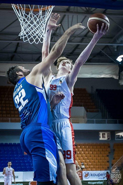 Poslední utkání odehrál Basket Brno (v bílém) proti Kolínu v pátek 11. září.