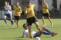 Fotbalisté Rosic trápili v prvním kole Mol Cupu nevýrazné Znojmo, kterému stačil na postup jediný gól Davida Ledeckého.