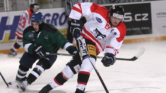 Hokejisté brněnské Techniky v neděli večer porazili v druholigovém souboji skupiny Východ pod širým nebem rivala z Hodonína 1:0. Divácký rekord ale nepadl.