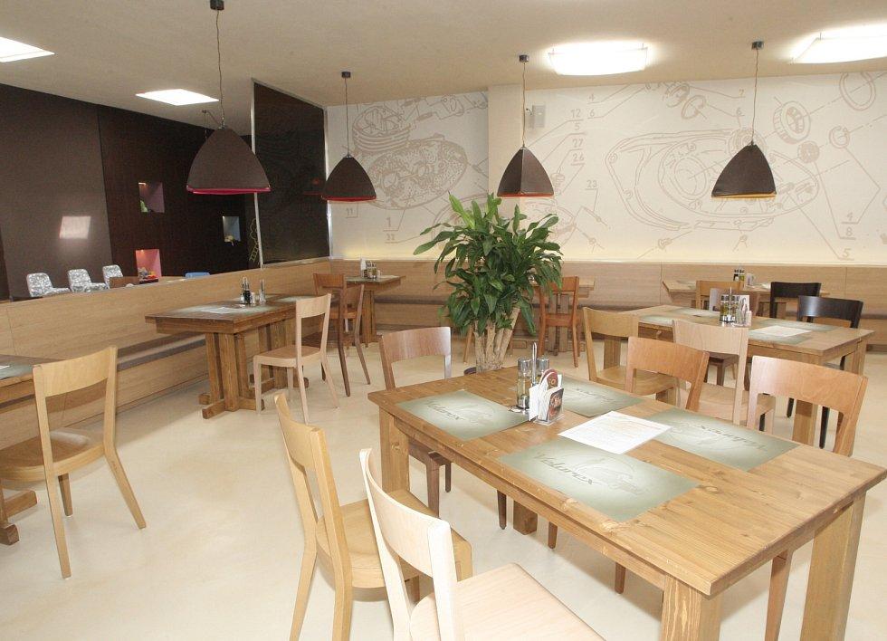Restaurace Velorex na kraji sídliště v Králově Poli nabízí hostům příjemný stylový interiér.