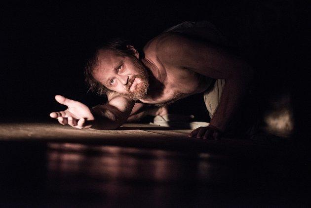Divadlo ustolu představí nové zpracování klasickho biblického díla Jób.