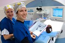 Metodou ReLEx Smile je možné odstranit dioptrie do dálky i astigmatismus.