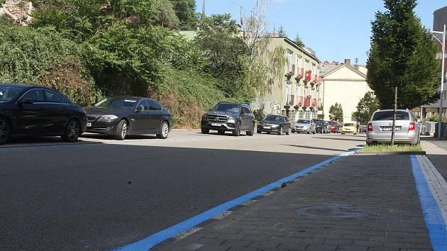 Nová značení rezidentního parkování v ulici Anenská