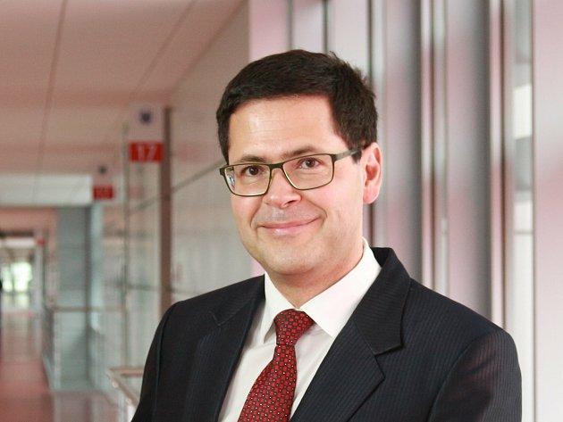 Vědec Omar Šerý se podílel na výzkumu soupravy, která diagnostikuje koronavirus. Teď říká, že vBrně je už záchyt takzvané jihoafrické mutace.