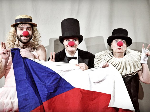 Cirkus Krize Michala Háby v podobě klauniády.