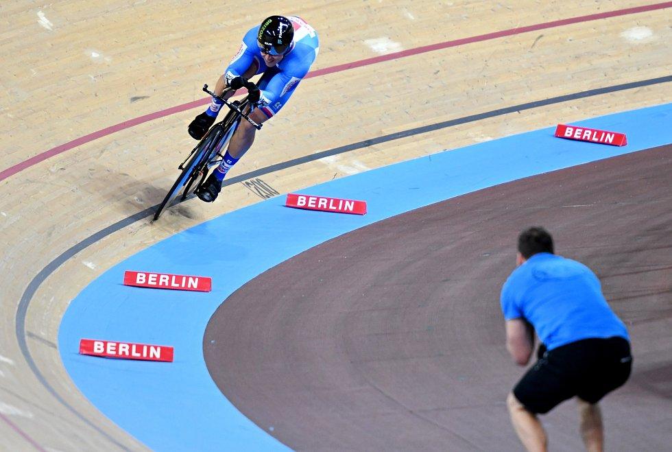 Dráhový cyklista brněnské Dukly Tomáš Bábek při pevném kilometru v Berlíně.