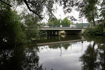 Most přes řeku Svratku v brněnském Jundrově.