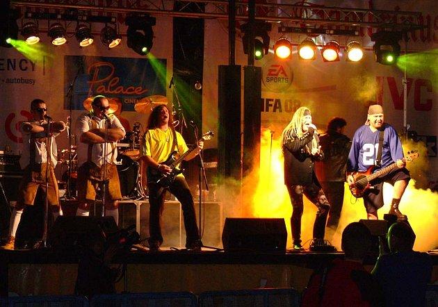 Mezi taháky letošního putovního festivalu Gaudeamus Igitur je vystoupení skupiny Walda Gang.