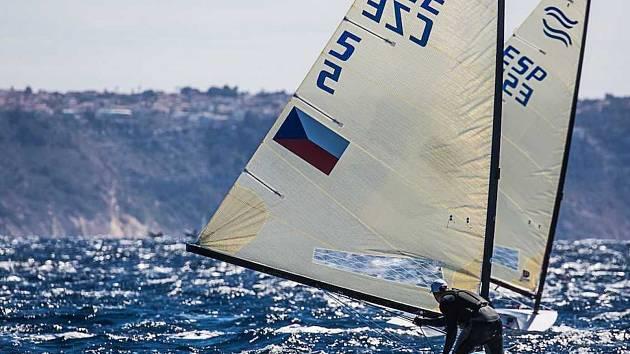 Jachtař Ondřej Teplý bojuje v Aténách o postup na olympijské hry v Tokiu.