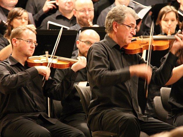Koncert ansámblu Czech Ensemble Baroque pod vedením dirigenta Romana Válka v Besedním domě v Brně.