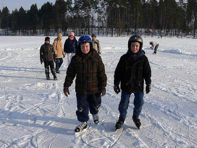 Zimní bruslení - ilustrační foto.