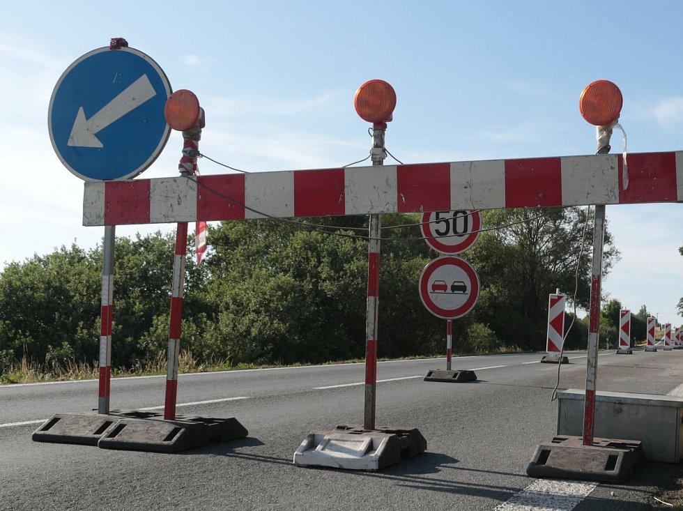 Opravy a dopravní komplikace. Ilustrační foto.
