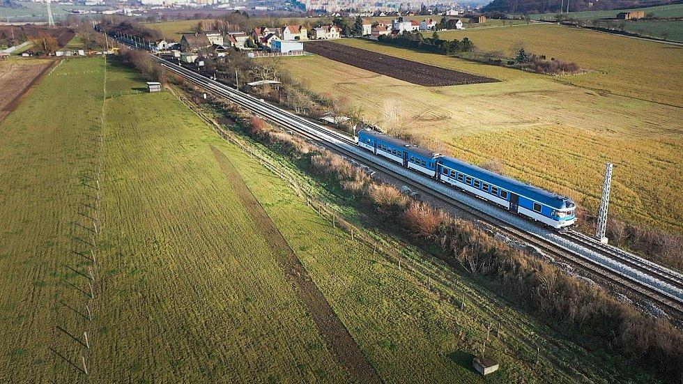 Elektrifikace trati mezi Brnem a Zastávkou. Prosinec 2020.