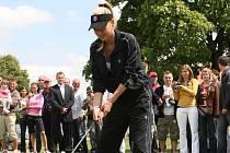 Anna Kurnikovová při golfu.
